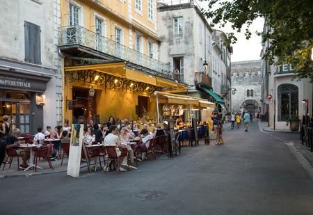 Foto per Arles, France - June 24, 2017: Cafe Van Gogh at Place du Forum in Arles. Provence, France - Immagine Royalty Free