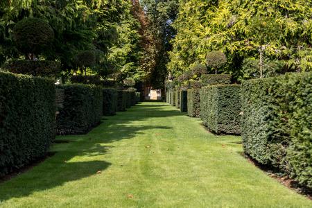Photo pour The picturesque Jardins du Manoir d Eyrignac in Dordogne. France - image libre de droit