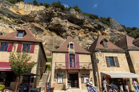 Photo pour La Roque-Gageac scenic village on the Dordogne river, France - image libre de droit
