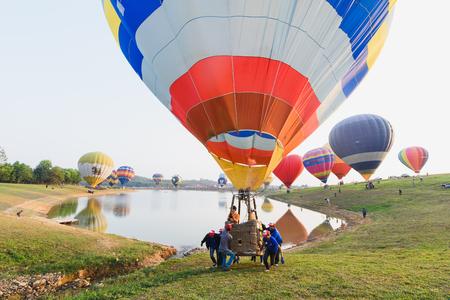 Foto de CHIANGRAI, THAILAND - February 13 : International Balloon Fiesta 2016 , February 13 2016 in Singha Park, CHIANGRAI, THAILAND - Imagen libre de derechos