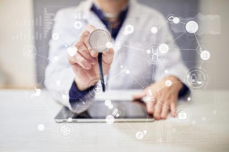 Foto de Medical concept on virtual screen. Healthcare. Online medical consultation and health check, EMR, EHR. - Imagen libre de derechos