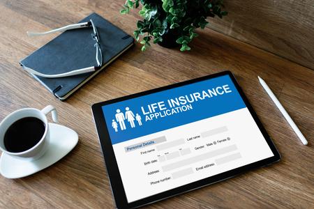 Photo pour Life insurance online application form on device screen. - image libre de droit