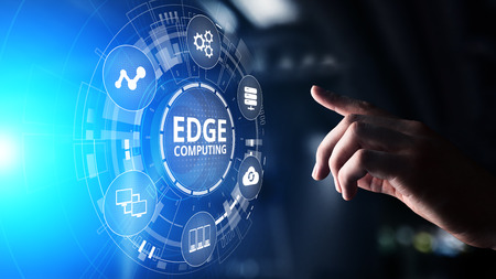 Photo pour Edge computing modern IT technology on virtual screen concept - image libre de droit