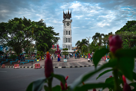 Foto de Big clock (Jam Gadang) Bukittinggi west Sumatra - Imagen libre de derechos