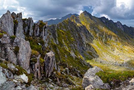 Foto de Mountain landscape in a beautiful summer day - Imagen libre de derechos