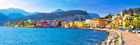 Photo pour Lago di Garba town of Torbole panoramic view, Trentino Alto Adige region of Italy - image libre de droit