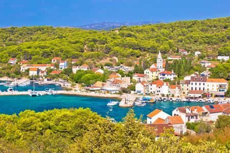 Foto de Island of Zlarin waterfront view, Sibenik coral archipelago of Dalmatia, Croatia - Imagen libre de derechos