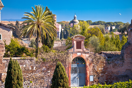 Foto per Scenic springtime view over the ruins of the Roman Forum in Rome, capital of Italy - Immagine Royalty Free
