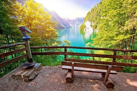 Photo pour Konigssee Alpine lake idyllic sun haze view, Berchtesgadener Land, Bavaria, Germany - image libre de droit
