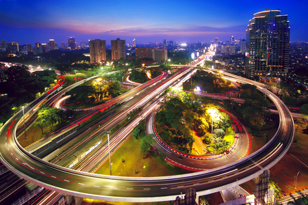 Photo pour Aerial view of a beautiful Semanggi interchange overpass in the nighttime. shot in Jakarta, Indonesia - image libre de droit