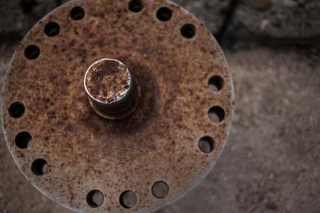 Photo pour Rusty flange - image libre de droit