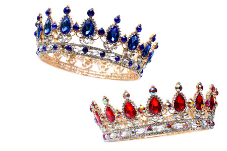 Photo pour Royal Crown with red rubies and blue precious stones. - image libre de droit
