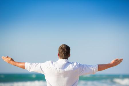 Foto de Freedom and summer vacations concept - Imagen libre de derechos