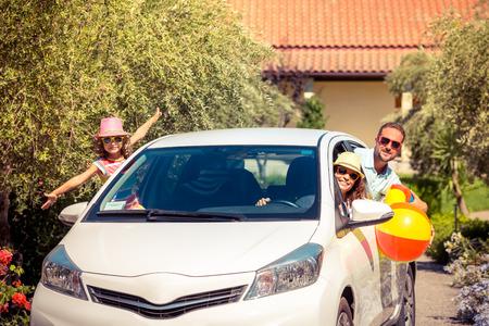 Foto de Family going on summer vacation. Car travel concept - Imagen libre de derechos