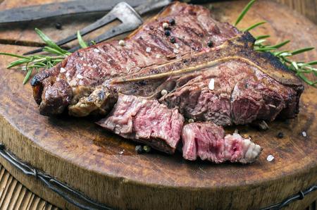 Foto de Grilled steak - Imagen libre de derechos
