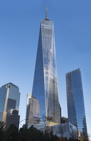 Photo pour One World Trade Center building in New York city during day time. The 104-story landmark is the tallest skyscraper in the Western Hemisphere, and the fifth-tallest in the world. - image libre de droit
