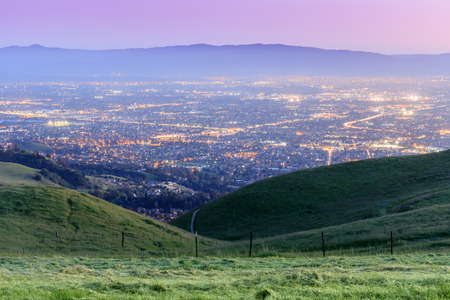 Photo pour Silicon Valley Twilight. Sierra Vista Open Space Preserve, San Jose, Santa Clara County, California, USA. - image libre de droit