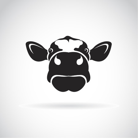 Ilustración de Vector image of an cow head on white background - Imagen libre de derechos