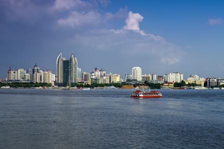 Foto de The landscape scenery view of a city at the Songhua River, Harbin, Heilongjiang - Imagen libre de derechos