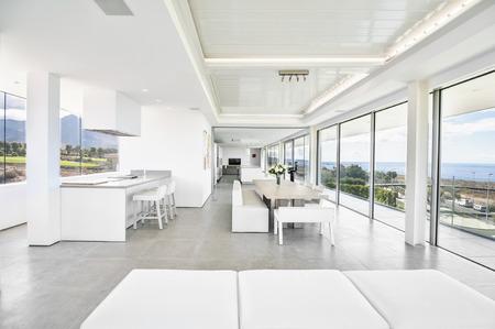 Foto de Living room in the modern villa with sea view - Imagen libre de derechos
