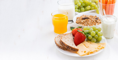 Photo pour Healthy and nutritious breakfast with fresh fruits and vegetables on white, close-up - image libre de droit