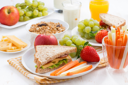 Photo pour healthy school breakfast with fruits and vegetables, close-up - image libre de droit