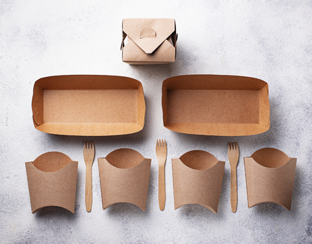 Photo pour Eco friendly fast food containers - image libre de droit