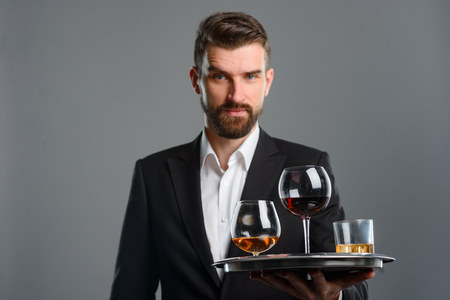Foto de Confident man serving tasting session - Imagen libre de derechos