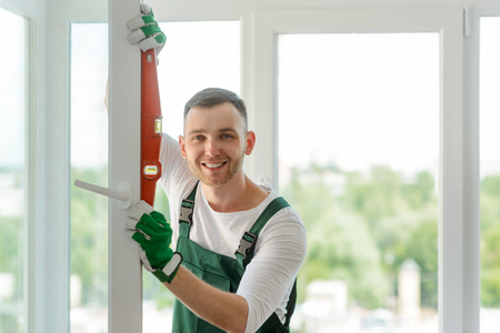 Foto de Portrait of a happy worker - Imagen libre de derechos