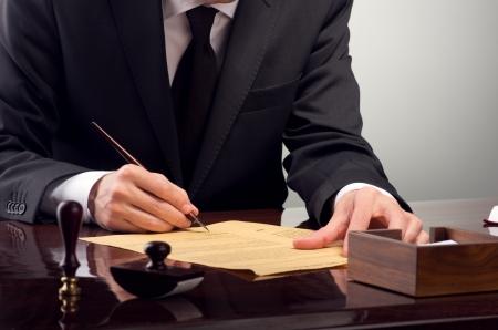 Foto de Businessman notarize testament at notary public office - Imagen libre de derechos