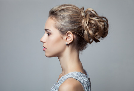Foto de Beautiful Blond Woman. Hairstyle and Make-up. - Imagen libre de derechos