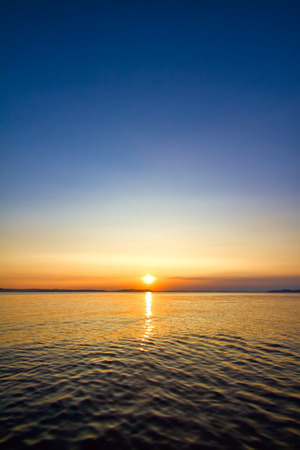 Photo pour sundown seascape - image libre de droit