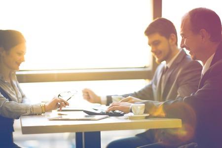 Foto für Business team working together to achieve better results - Lizenzfreies Bild