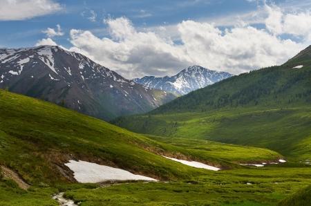 Photo pour Mountain lake, West Siberia, Altai mountains, Chuya ridge  - image libre de droit