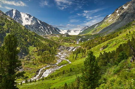 Photo pour Mountain lake, Russia, Siberia, Altai mountains, Katun ridge. - image libre de droit