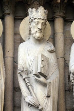 Foto de King Solomon, Notre Dame Cathedral, Paris, Portal of St  Anne - Imagen libre de derechos