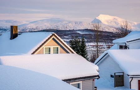Foto de View of Tromsdalstiden from Kvaløya, Tromsø, Norway - Imagen libre de derechos