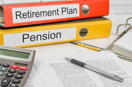Photo pour Folders with the label Retirement Plan and Pension - image libre de droit