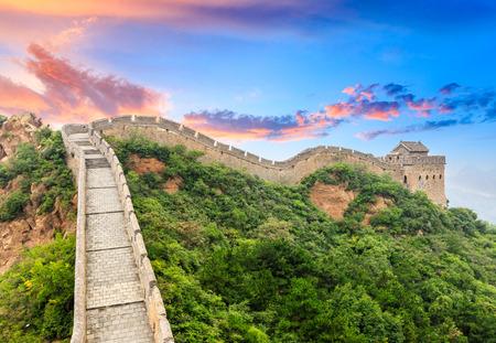 Foto de Great Wall of China at the jinshanling section,sunset landscape - Imagen libre de derechos