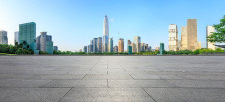 Foto de empty square floor and modern city skyline panorama in Shenzhen,China - Imagen libre de derechos