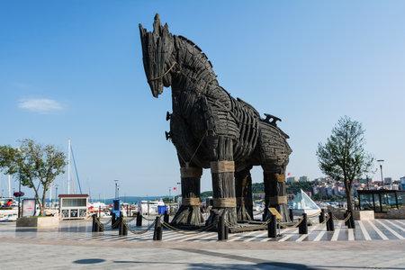 Photo pour The Trojan Horse in the city of Canakkale, Turkey - image libre de droit