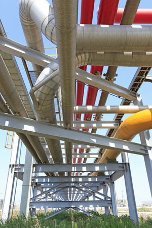 Pipeline system, used to transport oil and oil products pipeline system, mainly composed of oil pipelines, oil station and other auxiliary equipment, is one of the main equipment of oil storage and transportation industry, and crude oil and oil products t