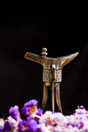 Photo pour Chinese ancient wine cup - image libre de droit