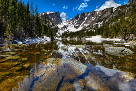 Photo pour Dream Lake at the Rocky Mountain National Park, Colorado, USA - image libre de droit