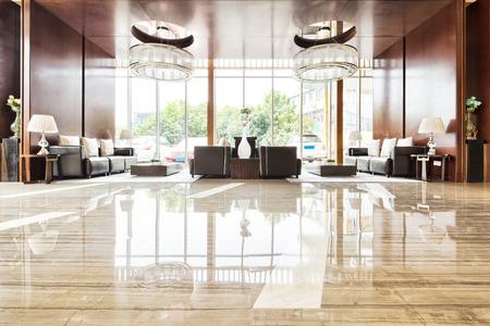 Foto de luxury hotel lobby and funiture - Imagen libre de derechos