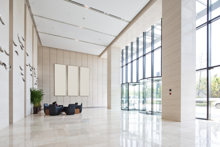Foto de interior of spacious and bright entry hall in modern office building - Imagen libre de derechos