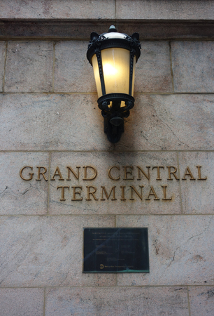 Foto per NEW YORK - JUNE 5, 2018: Grand Central Terminal in Midtown Manhattan. Grand Central Terminal is a commuter and intercity railroad terminal at 42nd Street and Park Avenue in Midtown Manhattan - Immagine Royalty Free