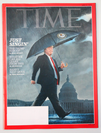 Foto de BROOKLYN, NEW YORK - MAY 5, 2019: President Donald Trump appears on the cover of the TIME magazine, under the headline: - Imagen libre de derechos