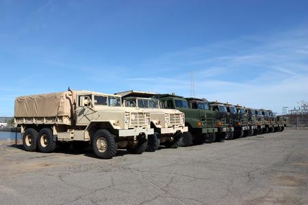 Photo pour Row of military vehicles - image libre de droit