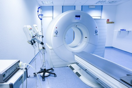 Photo pour CT (Computed tomography) scanner in hospital laboratory. - image libre de droit